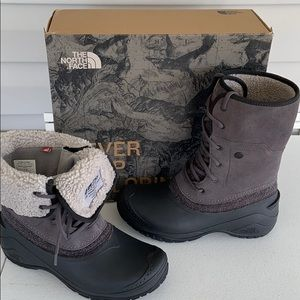 The North Face women's Shellista roll down boots